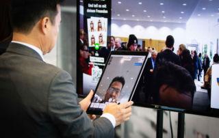 Beispiel Digitale Lösungen Brillen am ipad probieren