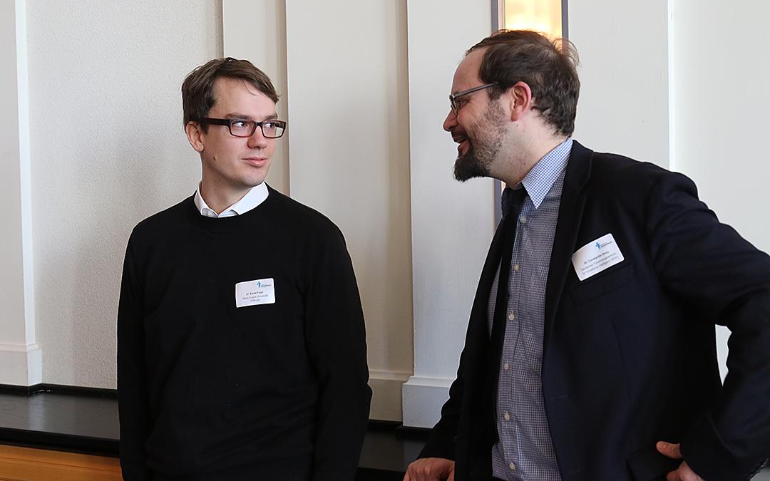 Keynotespeaker D. Feser und Verwaltungsexperte Dr. C. Houy im Gespräch (vlnr)