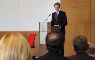 Staatssekretär Dr. Benjamin Grimm eröffnet die erste Brandenburger KI-Konferenz