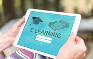 E-Learning per Tablet (Foto: thodonal – stock.adobe.com)